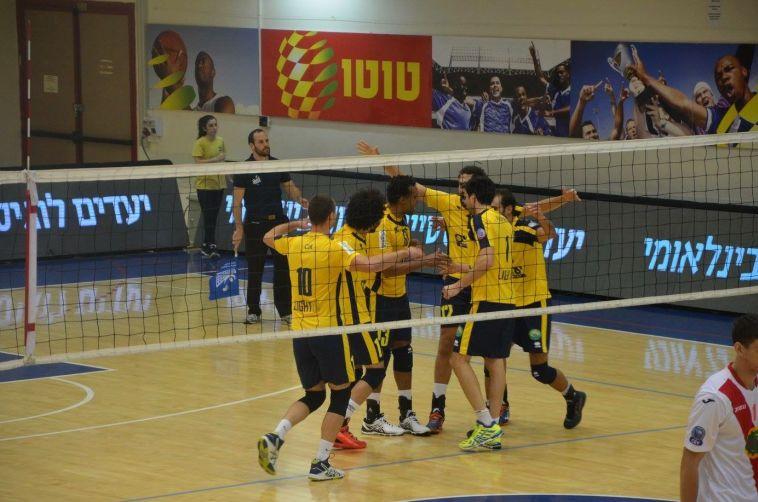 מכבי תל אביב עלתה לשמינית גמר גביע האתגר