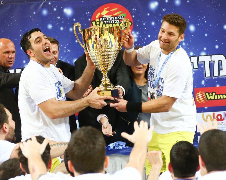 מכבי תל אביב מחזיקת גביע המדינה בכדוריד