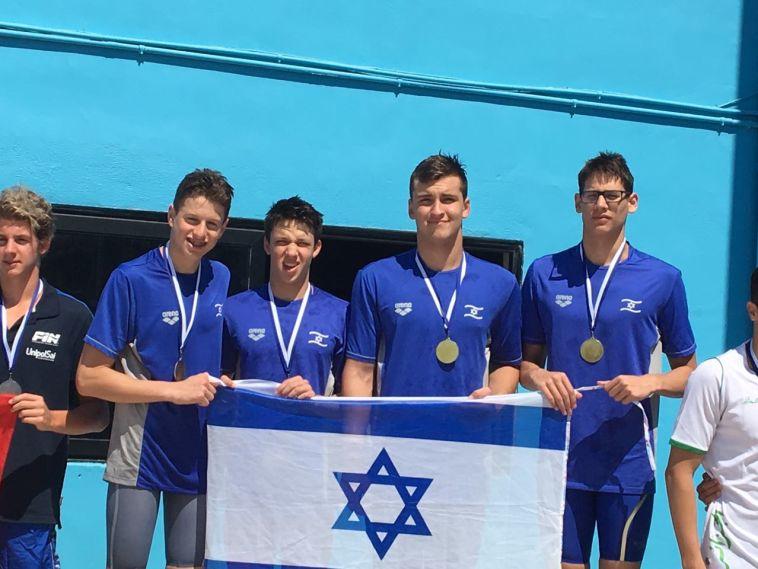 נבחרת הקדטים בשחייה הצטיינה בגביע קומן