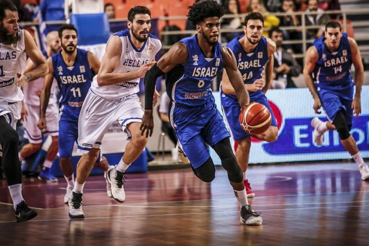 באופן חריג: נבחרת בריטניה הגיעה לישראל 5 ימים לפני המשחק