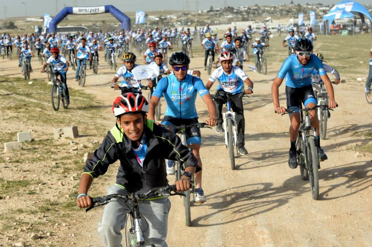 הפנינג אופניים בפזורה הבדואית לקראת מרוץ ג'ירו דה איטליה(veloimages)