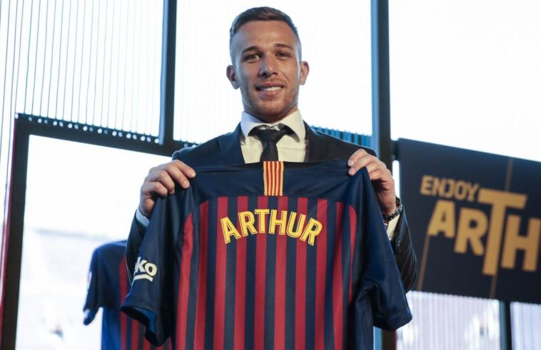 ארתור הוצג בברצלונה, גם הבלם קלמון לנגלה הצטרף