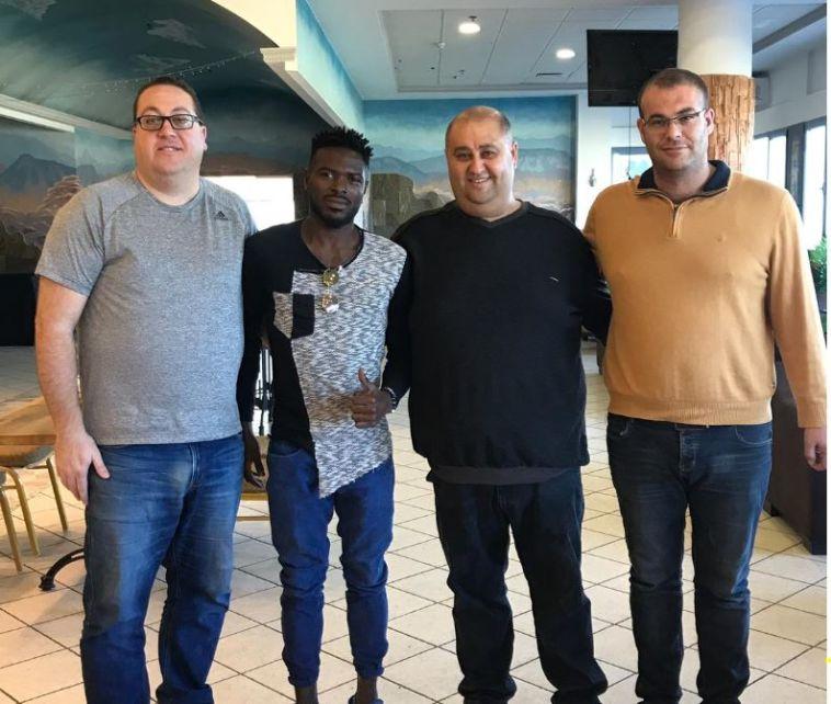 """דלה ימפולסקי חתם בבאקה: """"שמח לחזור הביתה"""""""