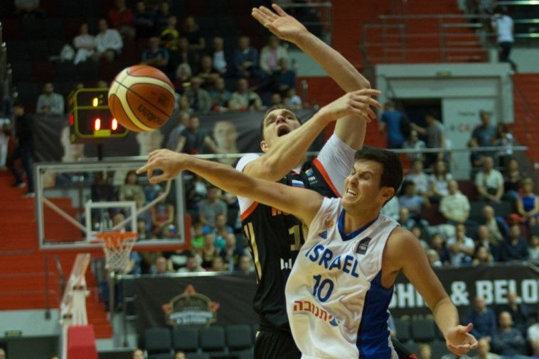 גיא פניני וטימופיי מוזגוב (התאחדות הכדורסל הרוסית)