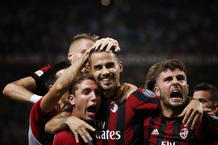 קוטרונה חוגג עם החברים. משגע את איטליה (AFP)