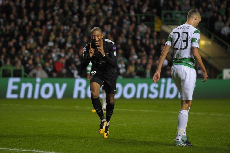 קיליאן אמבפה לאחר השער הראשון שלו בצ'מפיונס במדי פ.ס.ז' (AFP)