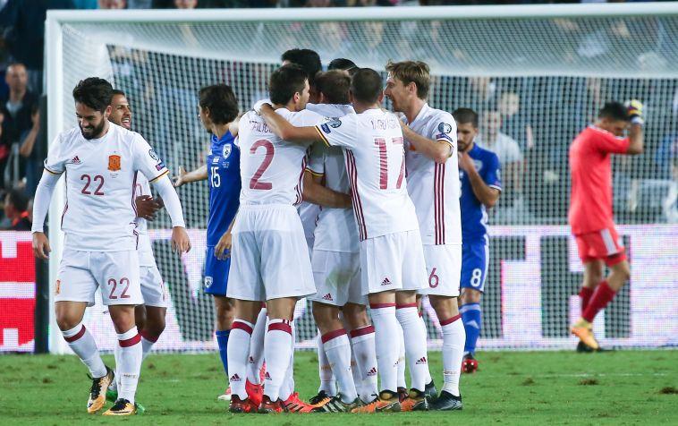 שחקני נבחרת ספרד חוגגים (דני מרון)