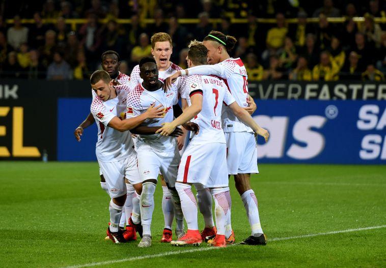 שחקני לייפציג חוגגים ניצחון גדול (AFP)
