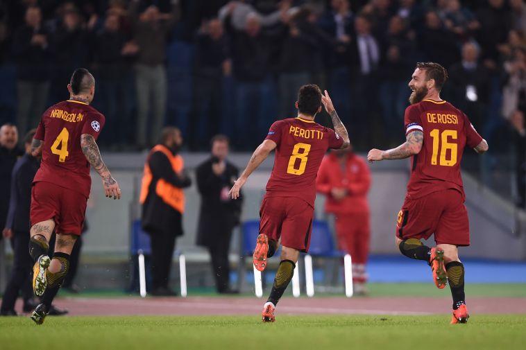 שחקני רומא חוגגים על צ'לסי (AFP)