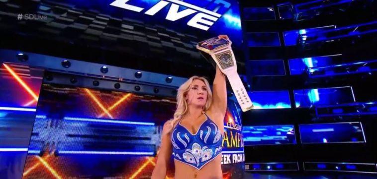 שארלוט פלייר. תפגוש את ראוזי ביזרה? (WWE)