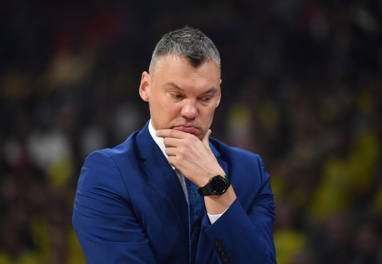 שאראס. הפסיד בחצי הגמר הראשון שלו כמאמן (AFP)