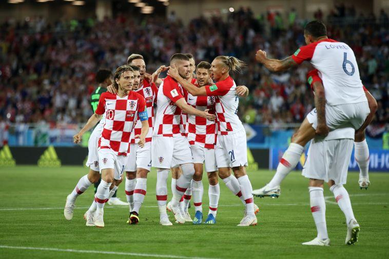 שחקני קרואטיה חוגגים את השער. ראויים ליתרון (Gettyimages)