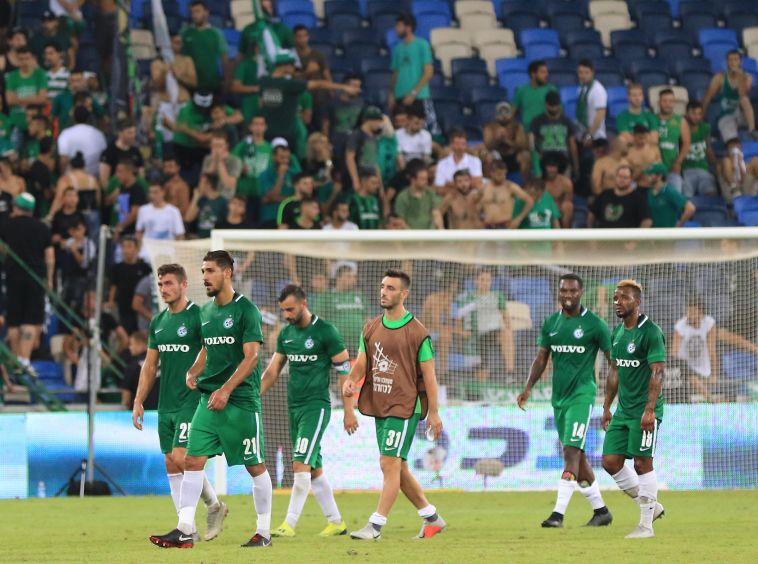 הקהל שורק בוז לשחקני מכבי חיפה. ראינו כמה מעט סבלנות נשארה להם (ערן לוף)