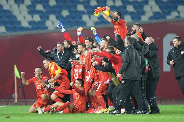 Northern Macedonia celebrates immigration to the euro