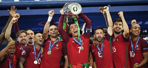 כריסטיאנו רונאלדו ושחקני נבחרת פורטוגל ב-2016