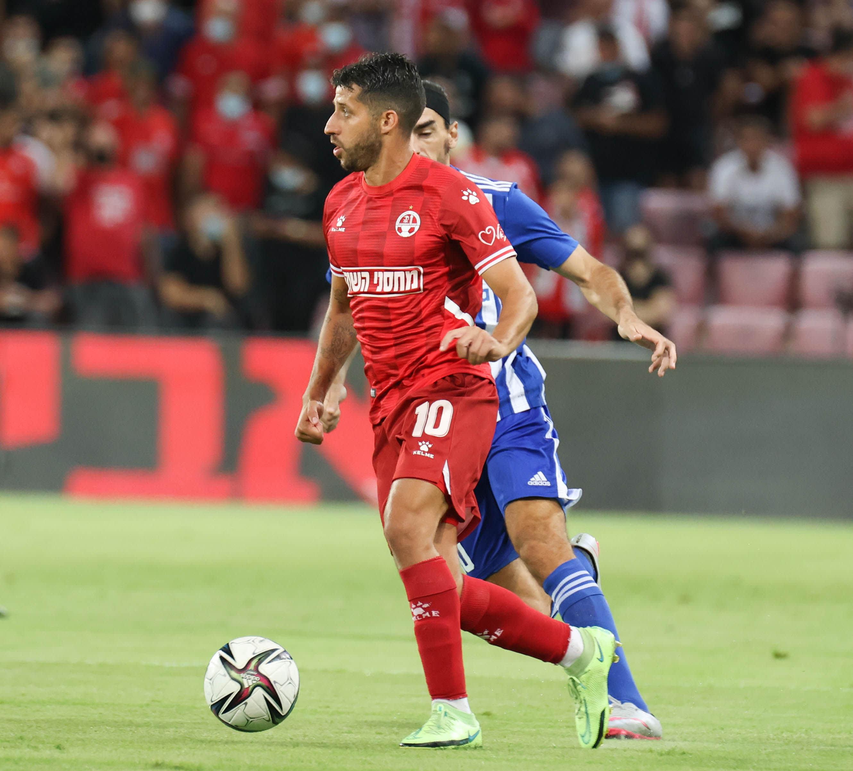 Dor Micha Hapoel Beer Sheva player against Lazarus Christodopoulos player Anorthosis Famagusta