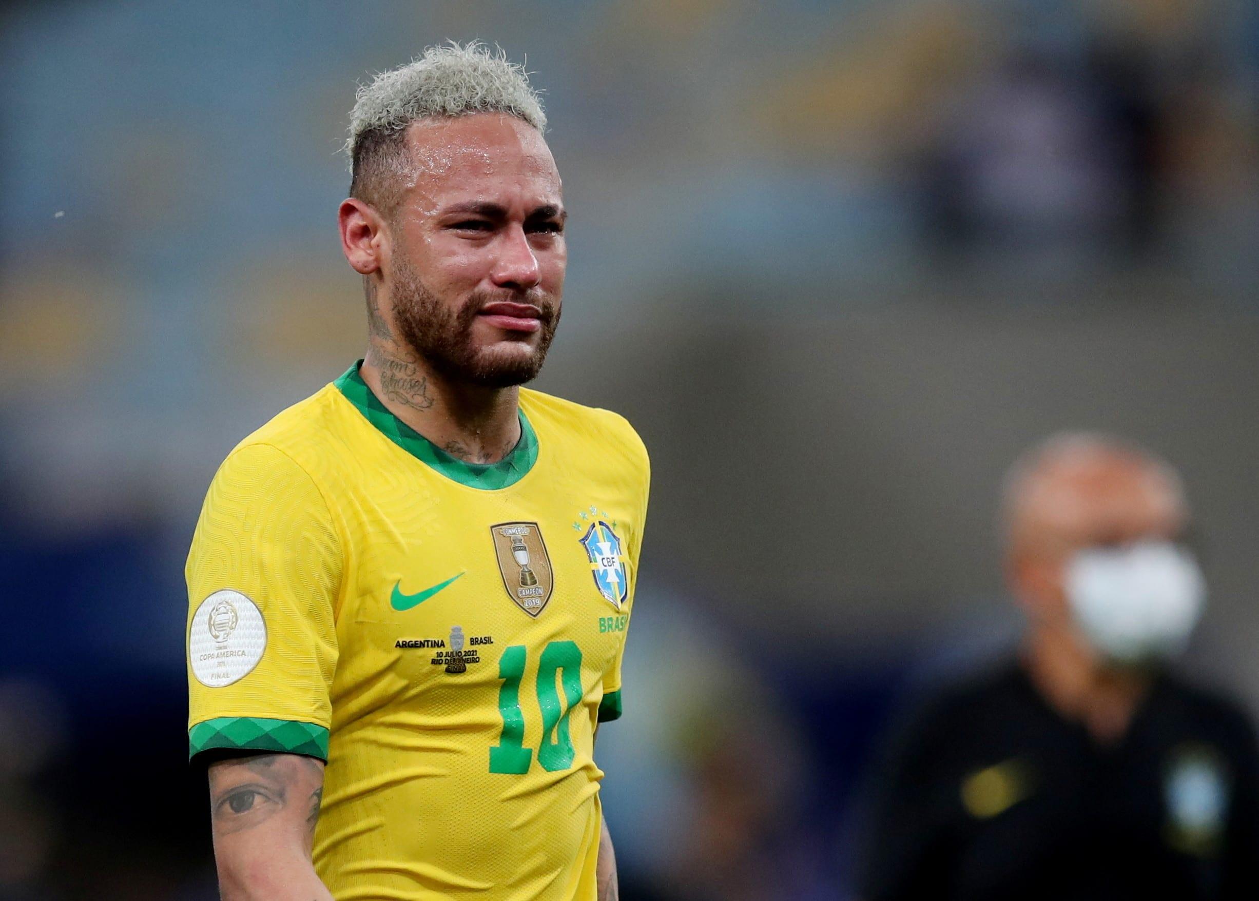 ניימאר, נבחרת ברזיל, בוכה אחרי ההפסד לארגנטינה בגמר הקופה אמריקה