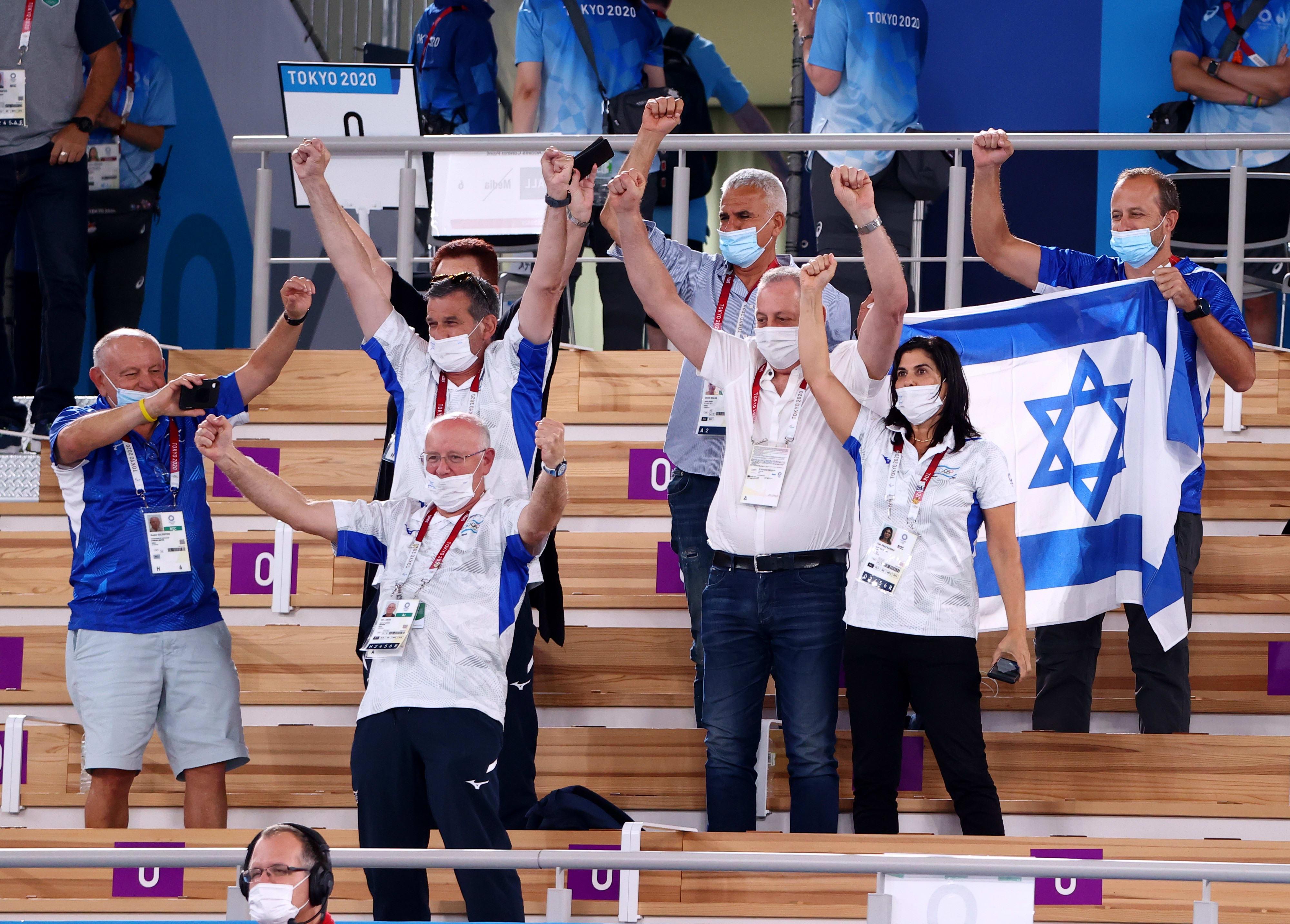 יעל ארד, יגאל כרמי, גילי לוסטיג ראשי הוועד האולימפי בזמן הזכייה של ארטיום דולגופיאט
