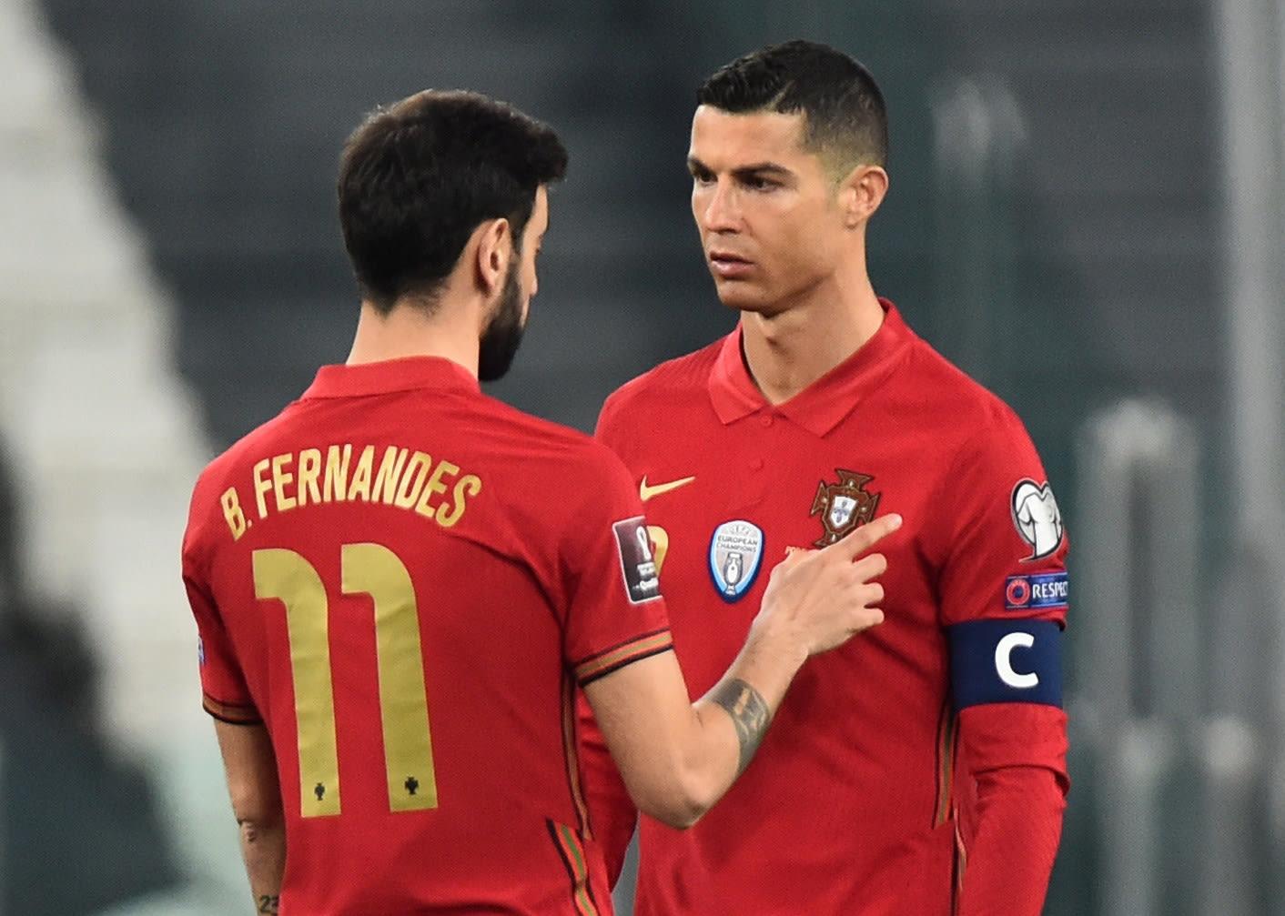 Cristiano Ronaldo plays for Portugal with Bruno Fernandez