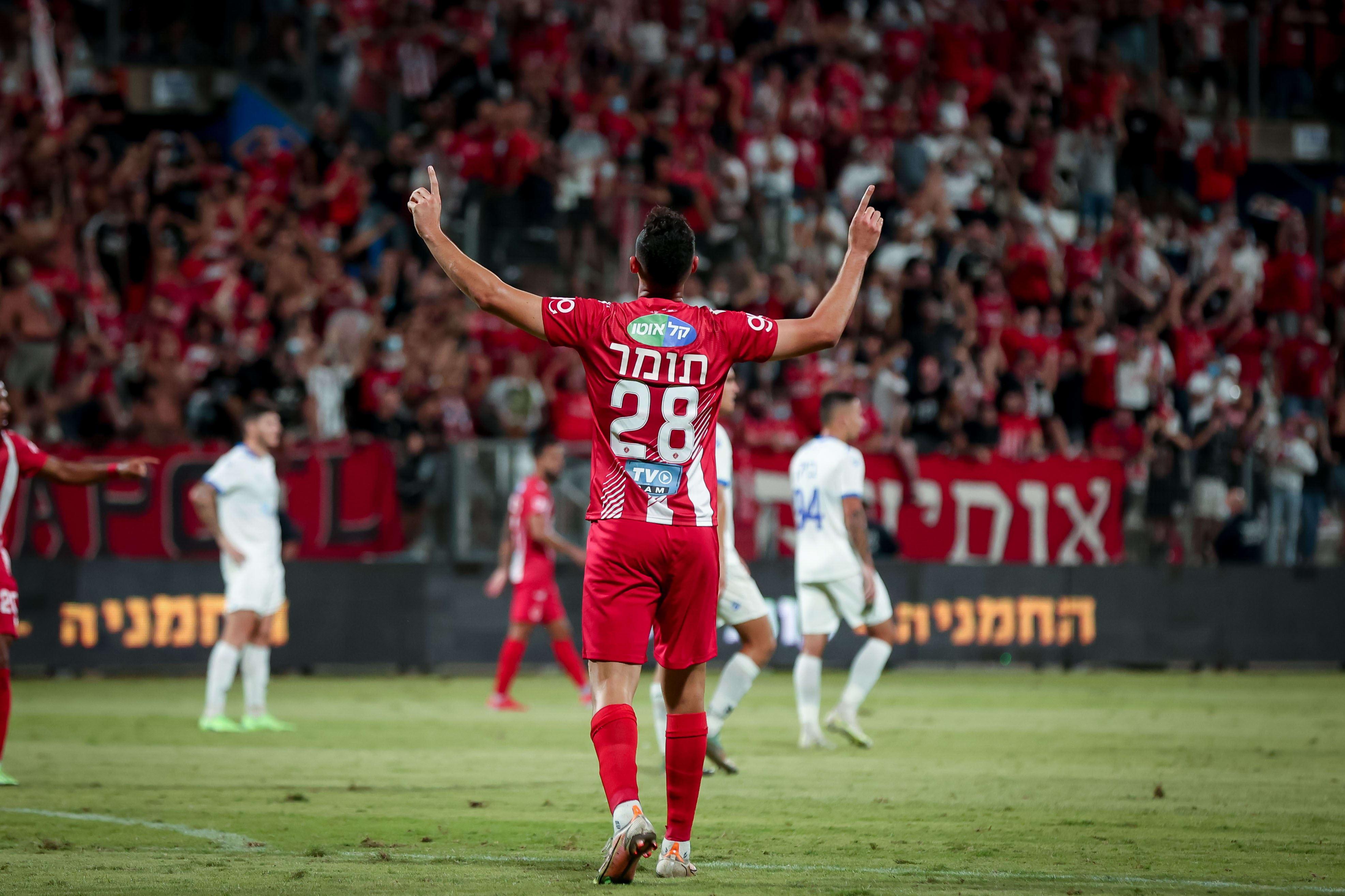 שחקן הפועל תל אביב יואב תומר