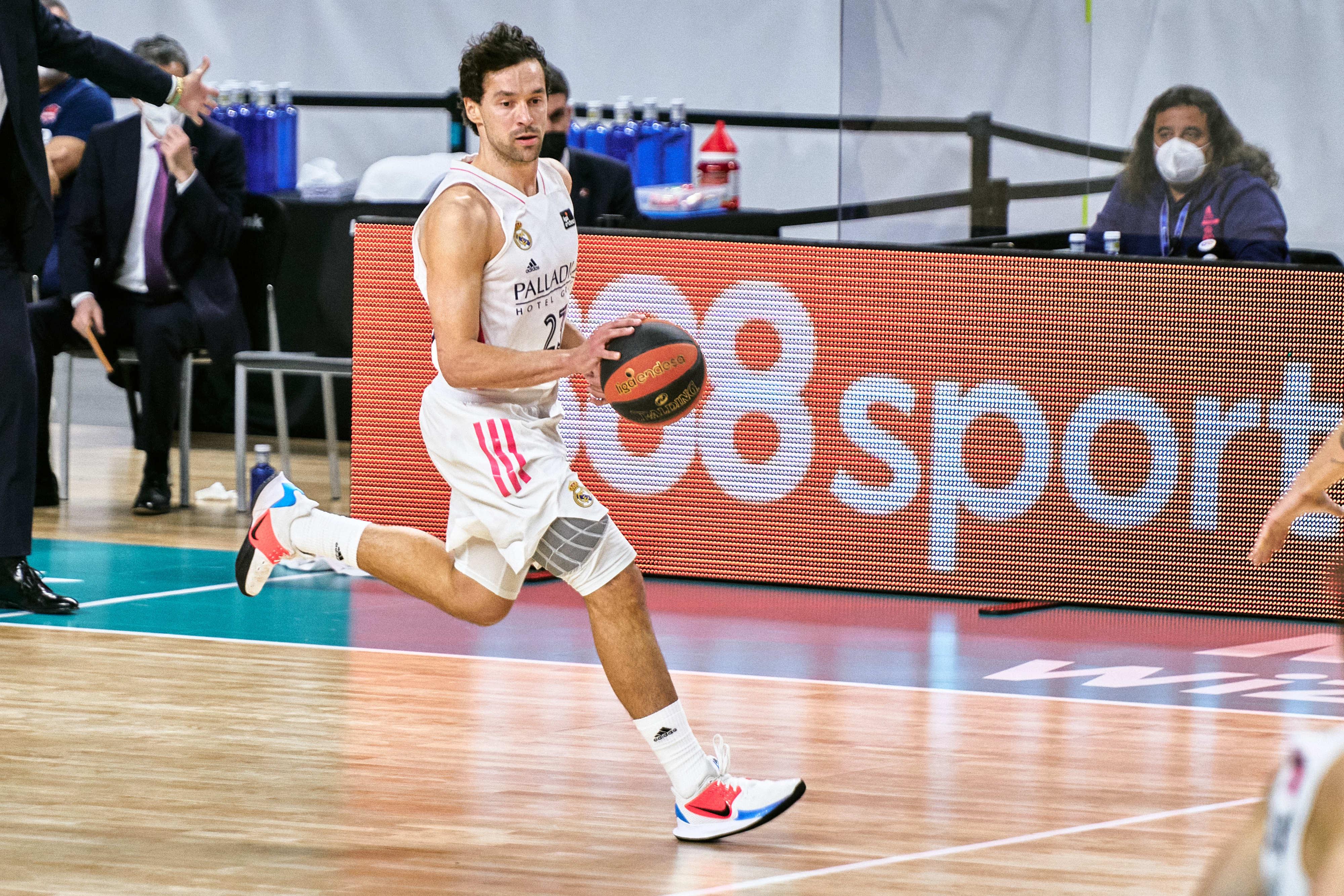 שחקן ריאל מדריד בכדורסל סרחיו יוי