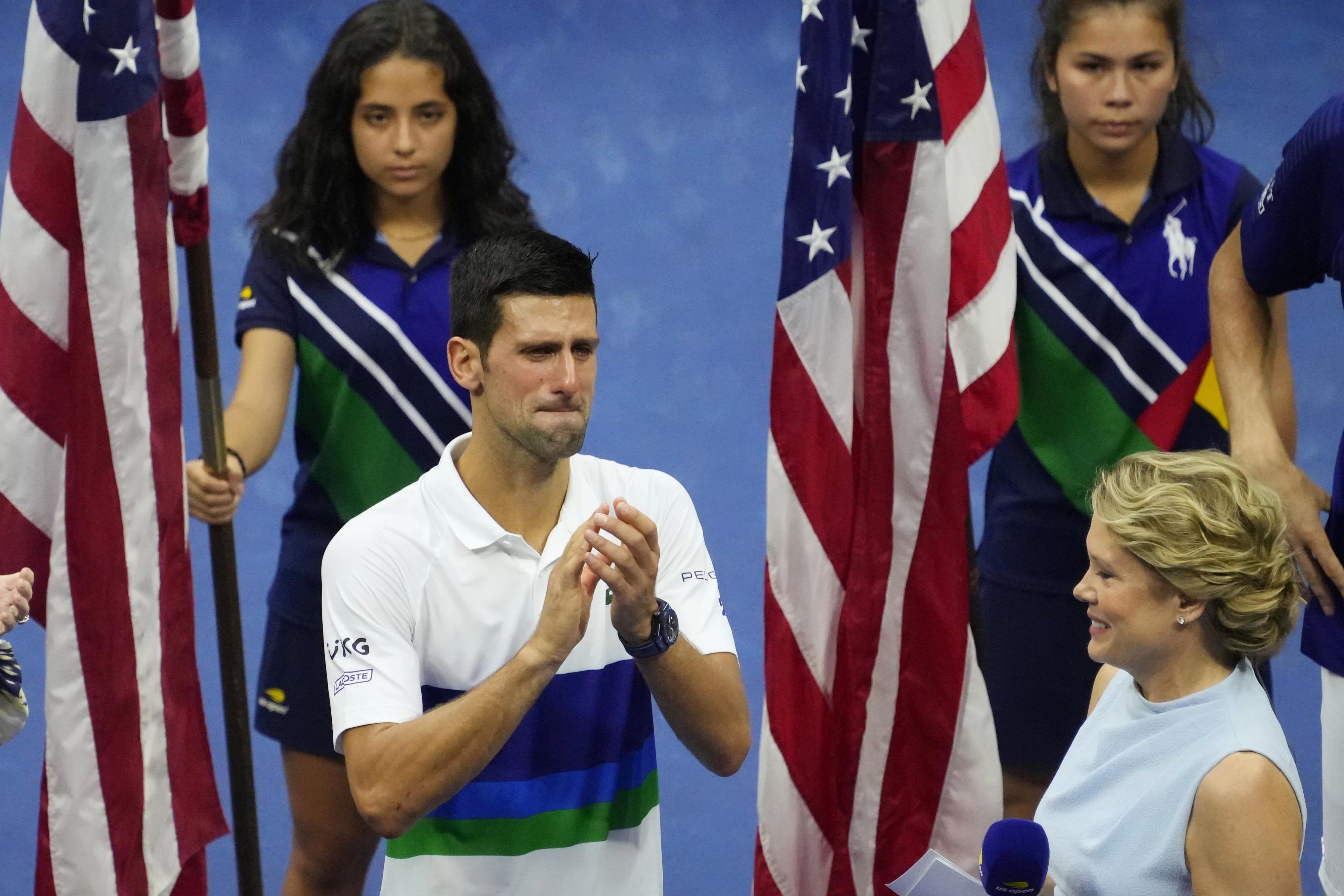 נובאק דג'וקוביץ' בוכה אחרי ההפסד בגמר אליפות ארה
