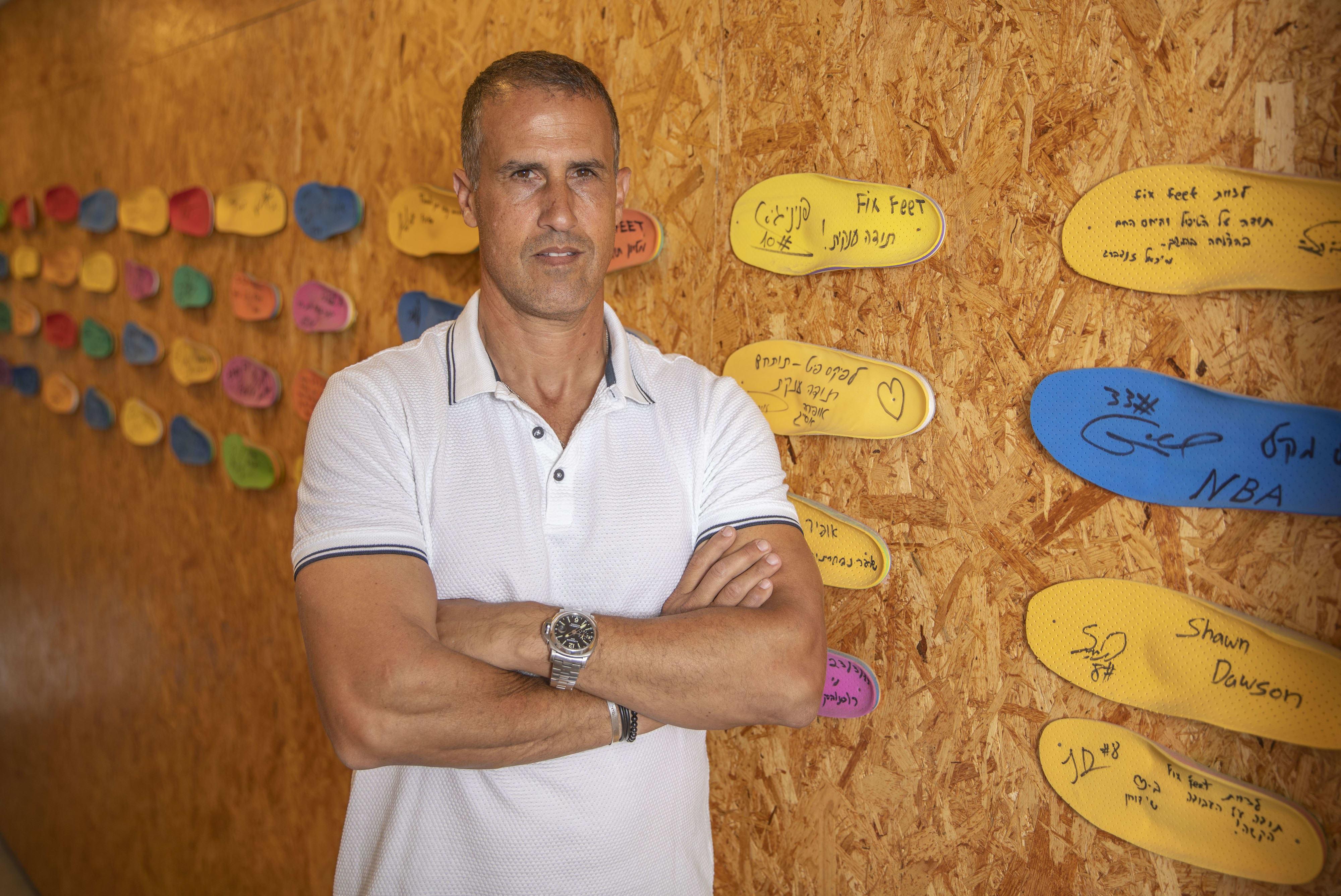 אמיר שלח, ספורטאי ובעלים של חברת Fix Fee, מעבדת ההליכה המתמחה ביצור מדרסים