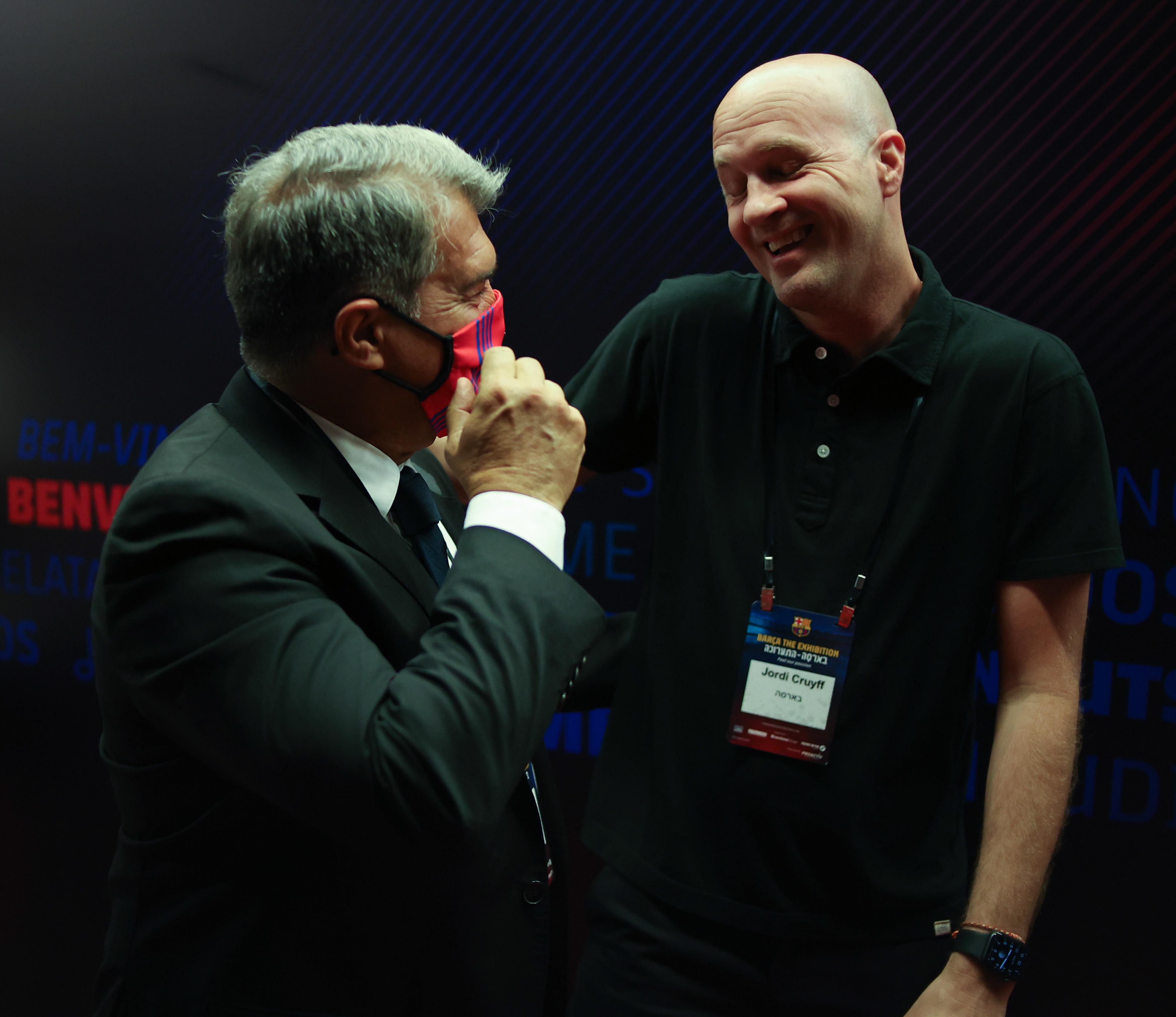 ג'ורדי קרויף עם ז'ואן לאפורטה בתערוכת ברצלונה