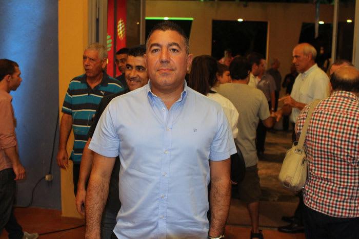 Árbitro de fútbol Eitan Tabrizi durante una noche de gala de la Asociación de Fútbol