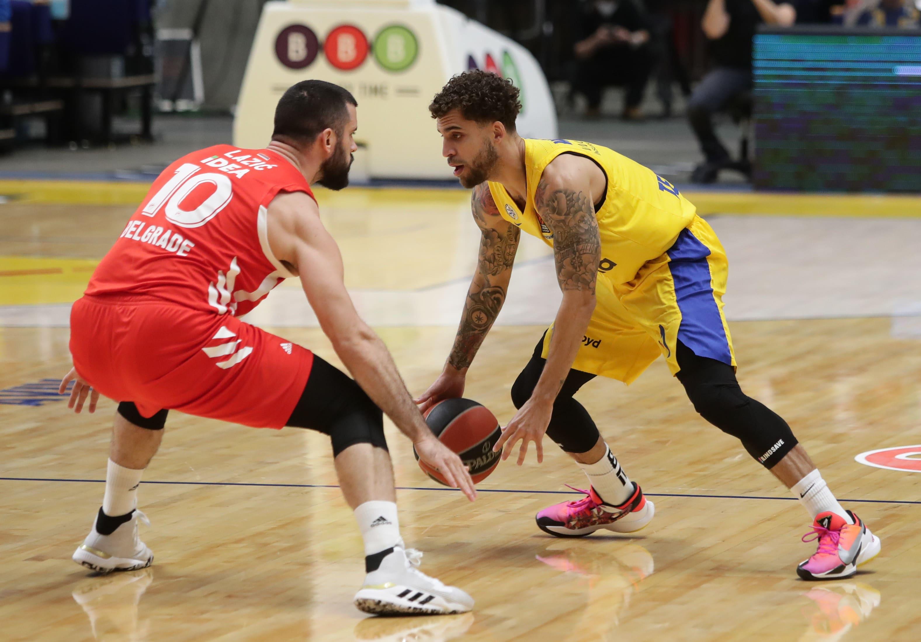 Maccabi Tel Aviv player Scotty Wilbkin against Red Star player Belgrade Branko Lazic