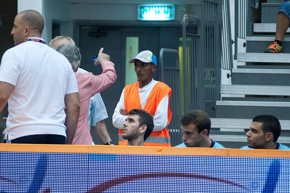 המרתוניסט היילה סטאין משמש כמאבטח באולמה של מכבי ראשון לציון