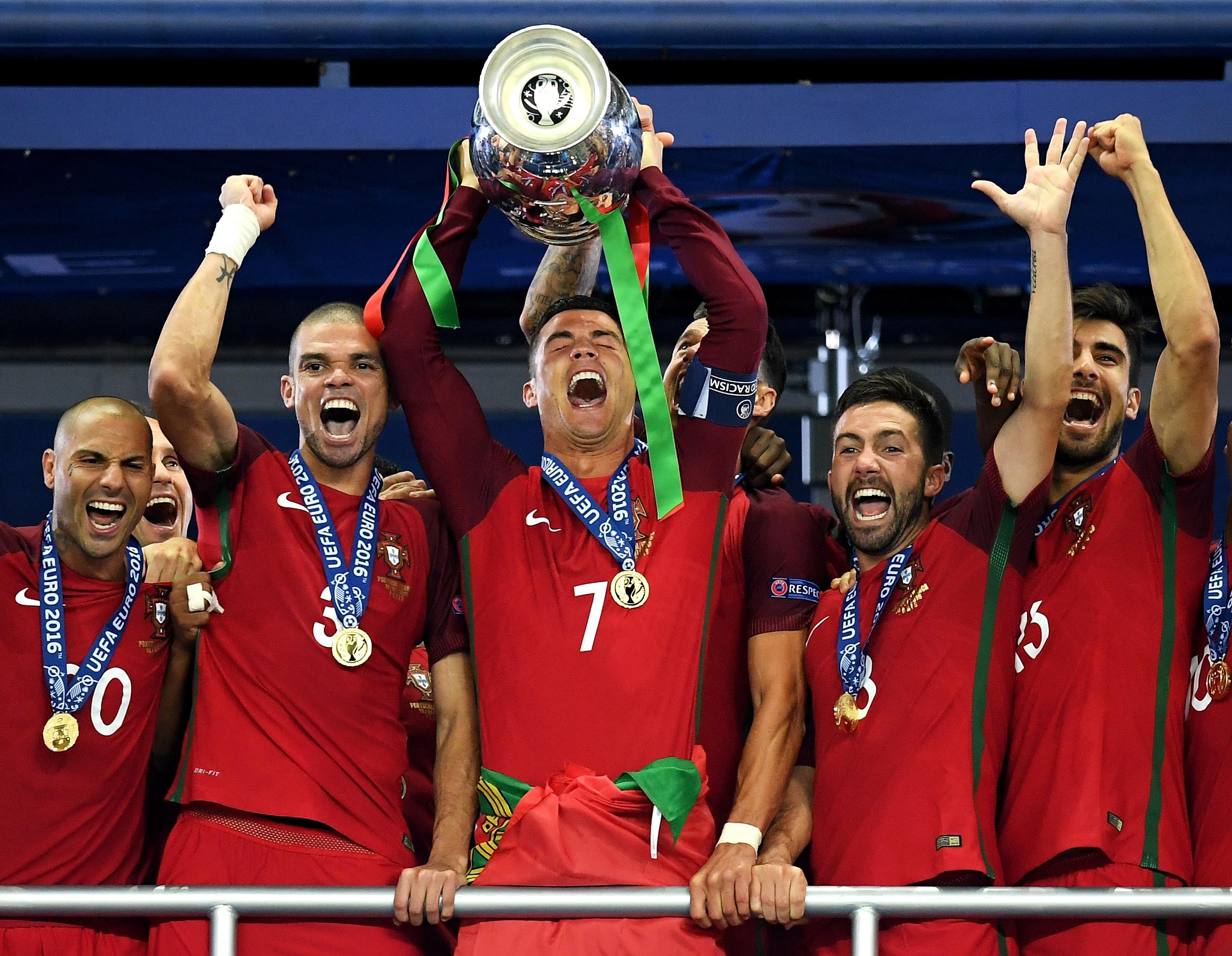 פורטוגל זוכה ביורו