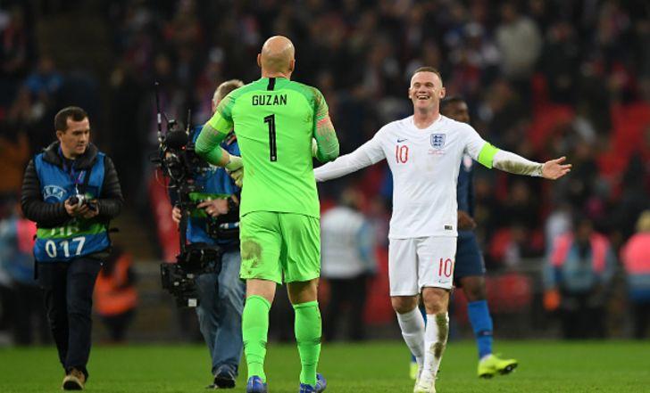 """צפו בתקציר: 0:3 לאנגליה על ארה""""ב במשחק הפרידה של רוני מהנבחרת"""