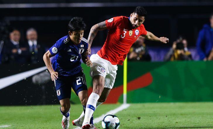 צפו בתקציר: צמד לוורגאס, צ'ילה פתחה את הקופה עם 0:4 על יפן