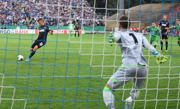 צפו בתקציר: קרלסרוהה עלתה שלב בגביע הגרמני אחרי 0:2 על האנובר