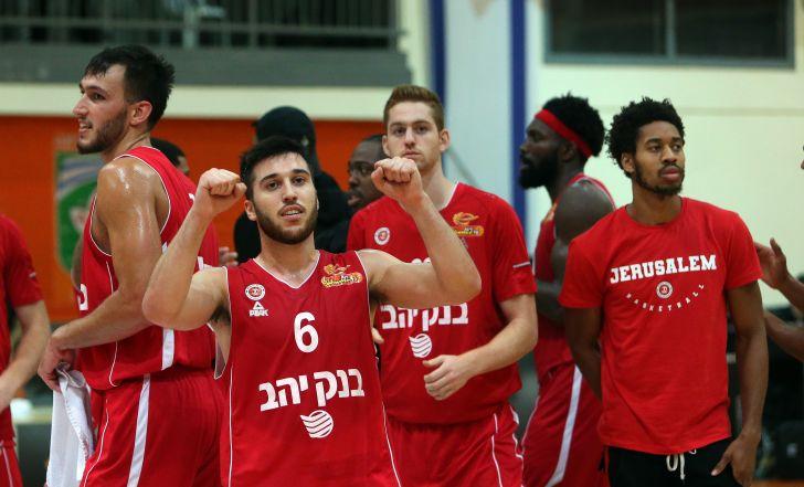 """צפו בתקציר: דאבל-דאבל מרשים לבלאט, 86:93 לירושלים על מכבי ראשל""""צ"""