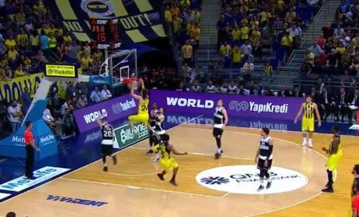 פנרבחצ'ה עלתה ל-0:2 בגמר הפלייאוף הטורקי