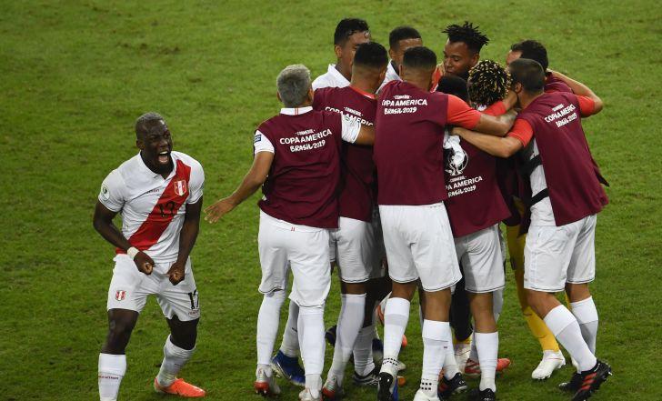 צפו בתקציר: פרו חזרה מפיגור ל-1:3 על בוליביה ונצמדה לברזיל