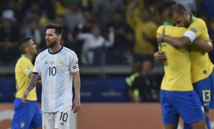 צפו בתקציר: מסי ואגווארו פגשו את הקורה והמשקוף וברזיל ניצחה 0:2 את ארגנטינה
