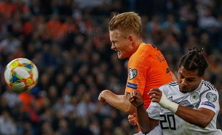 צפו בתקציר: הולנד הפכה פיגור מוקדם ל-2:4 אדיר על גרמניה