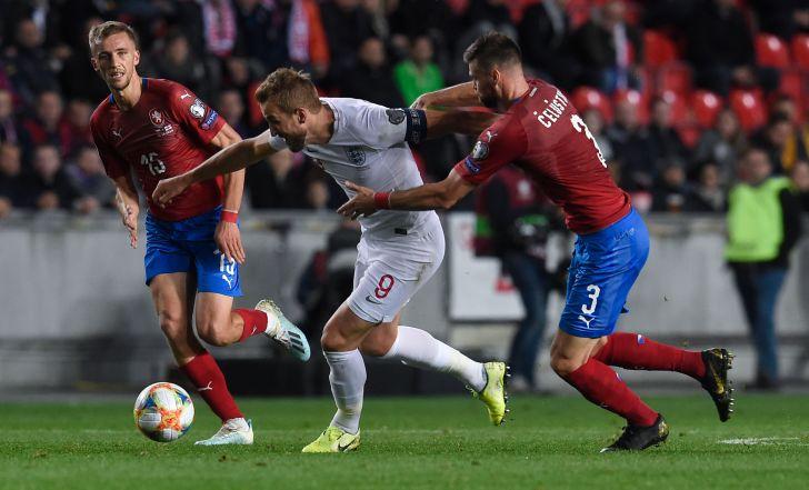 צפו בתקציר: צ'כיה חזרה מפיגור והפתיעה את אנגליה עם 1:2