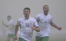 שחקני נבחרת אירלנד חוגגים בערפל. הערב יהיה בהיר יותר צילום(צילום: Gettyimages)