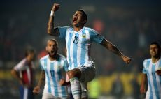 רוחו חוגג. בארגנטינה בטוחים שיחגוג גם בגמר צילום(צילום: AFP)