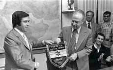 מזרחי בקבלת הפנים אצל ראש הממשלה יצחק רבין צילום(צילום: יעקב סער)