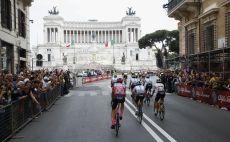 כריס פרום על רקע רומא צילום(AFP)