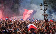 פאן זון צרפת צילום(AFP)