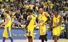 שחקני מכבי תל אביב צילום(עדי אבישי)