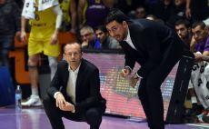 דן שמיר עם מודי מאור צילום(FIBA)