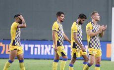 שחקני מכבי תל אביב מאוכזבים צילום(דני מרון)