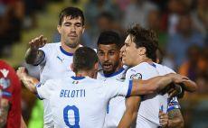 שחקני נבחרת איטליה חוגגים צילום( Claudio Villa/Getty Images)